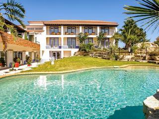 Villa Monte D'Oiro, Sleeps 20 - Lagos vacation rentals