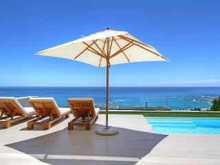 4 bedroom Villa with DVD Player in Camps Bay - Camps Bay vacation rentals