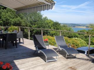 Kara - with views of the sea 20% ferry discount - Landevennec vacation rentals