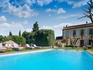 La Belle de Tarascon, Sleeps 12 - Provence vacation rentals
