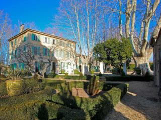 Bastide Beatrice, Sleeps 12 - Saint-Remy-de-Provence vacation rentals