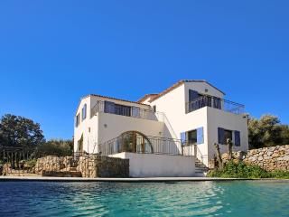 Gorgeous 4 bedroom Lumio Villa with Internet Access - Lumio vacation rentals