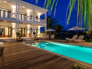 Charming 4 bedroom Grace Bay Villa with Internet Access - Grace Bay vacation rentals