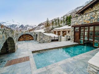 Domaine Toit du Monde, Sleeps 16 - Val d'Isère vacation rentals