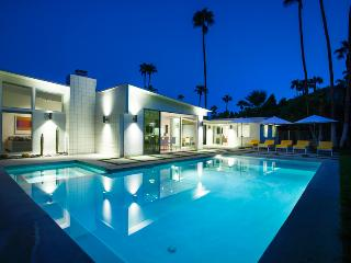 La Paloma Palms, Sleeps 8 - Palm Springs vacation rentals