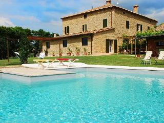 Bright 6 bedroom Vacation Rental in San Quirico d'Orcia - San Quirico d'Orcia vacation rentals