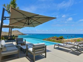 Bright 1 bedroom Toiny Villa with Dishwasher - Toiny vacation rentals