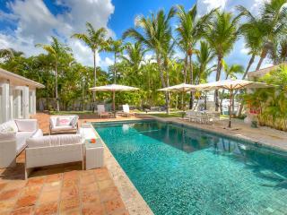 7 bedroom Villa with Internet Access in La Romana - La Romana vacation rentals