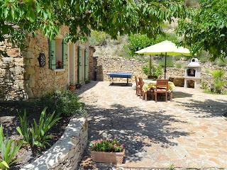 Charming country house 8p comfort, private pool, Le Barroux Vaucluse - Le Barroux vacation rentals