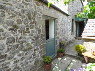 PAIL END romantic retreat, superb views, great walking in Brassington Ref 920228 - Brassington vacation rentals