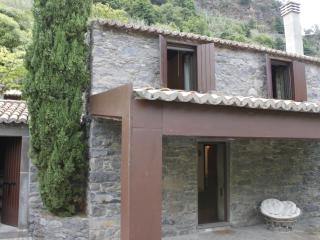 Nice 3 bedroom Cottage in Sao Jorge - Sao Jorge vacation rentals