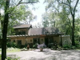 Rum Island Retreat - Santa Fe River - Fort White vacation rentals