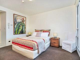 MP210 - Great Studio in the heart of Cremorne - Cremorne vacation rentals