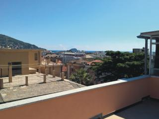 Bright 2 bedroom Penthouse in Alassio with Alarm Clock - Alassio vacation rentals