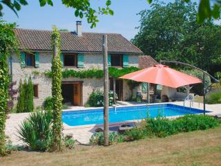 5 bedroom Farmhouse Barn with Internet Access in La Chapelle Montbrandeix - La Chapelle Montbrandeix vacation rentals