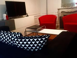 Design & Moderne 92m2 upscale LUXE apt Montmartre - Paris vacation rentals