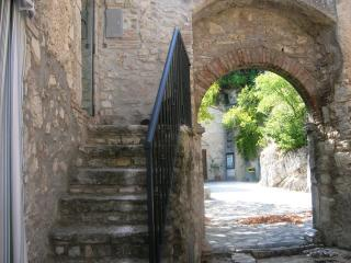 Cozy 2 bedroom House in Rieti with Satellite Or Cable TV - Rieti vacation rentals