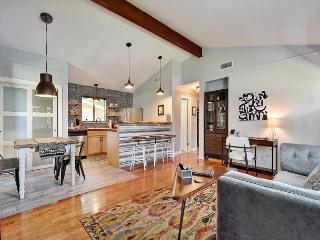 2BR/2BA Boutique Home in Austin's SoLa, Walk to Everything, Sleeps 4 - Austin vacation rentals