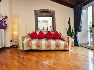 Bright 2 bedroom Condo in Bergamo with Internet Access - Bergamo vacation rentals