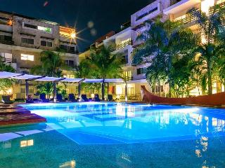 SUNFLOWER CONDO: 3 BEDROOM ALL IN SUITE. Beautiful and Spacious Apartment - Playa del Carmen vacation rentals