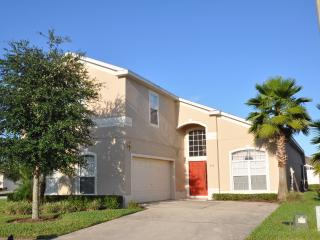 Upgraded 6 bed villa only 15 minutes from DISNEY - Davenport vacation rentals