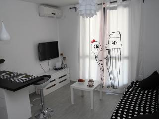 Romantic 1 bedroom Dubrovnik Condo with Internet Access - Dubrovnik vacation rentals