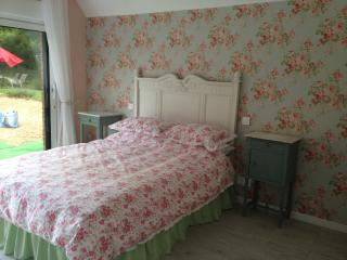 Just 1hr 15mins drive from Calais! Double room (3) - Hesdin vacation rentals