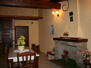 Nice Bed and Breakfast with Internet Access and A/C - San Lorenzo Bellizzi vacation rentals
