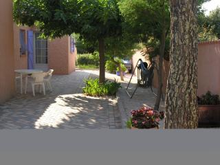 Cozy Pierrefeu-du-Var Studio rental with Internet Access - Pierrefeu-du-Var vacation rentals