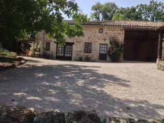 The Old Bakery Cottage, at Les Hirondelles - Castelnau-de-Montmiral vacation rentals