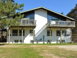 8 Bedroom Swiss Style Chalet  with Hot Tub,Sauna - Blue Mountains vacation rentals