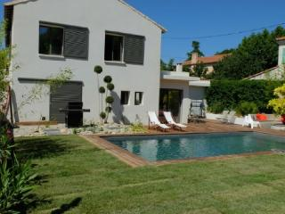 Holiday rental Villas Puyricard (Bouches-du-Rhône), 230 m², 2 990 € - Puyricard vacation rentals
