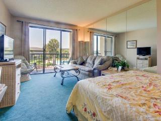 Peaceful corner studio w/views of pool & Santa Rosa Sound! - Fort Walton Beach vacation rentals