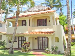 Beach House Tropical 2bdr + WiFi + Pick-up - Bavaro vacation rentals