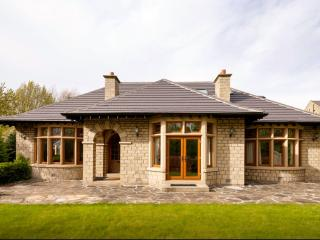 Perfect Bungalow with Internet Access and Dishwasher - Huddersfield vacation rentals