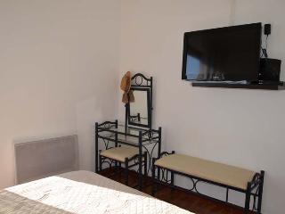 Cozy 3 bedroom Cervione Villa with Internet Access - Cervione vacation rentals