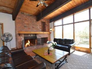 6 Bed Blue Mountain Chalet With Sauna #9L - Blue Mountains vacation rentals