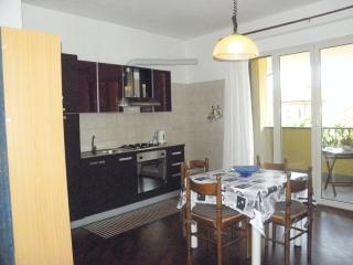 Romantic 1 bedroom Albiano Magra Townhouse with Internet Access - Albiano Magra vacation rentals