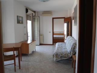 Mini appartamento piazza Rovigo - Rovigo vacation rentals
