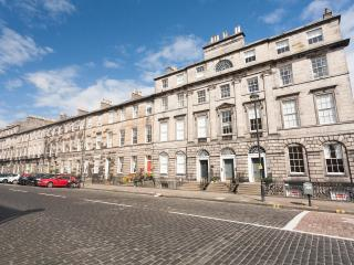 Central Edinburgh Georgian Apartment - Edinburgh vacation rentals