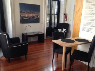 Perfect Condo with Internet Access and Short Breaks Allowed - Porto vacation rentals