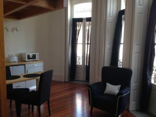 Perfect Condo with Internet Access and Shampoo Provided - Porto vacation rentals