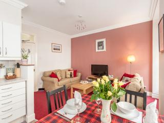Blair St Burns, just off Royal Mile - Edinburgh vacation rentals
