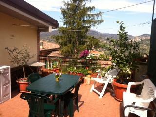 Appartamento con terrazzo panoramico - Perugia vacation rentals