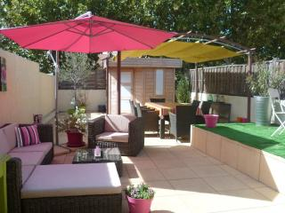 Nice Condo with Deck and Internet Access - Carpentras vacation rentals