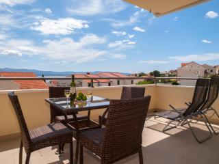 Enjoy stunning view,near center,delux - Bol vacation rentals