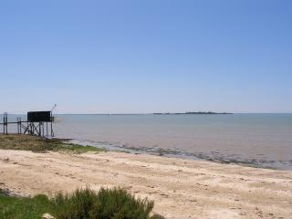 Nice Gite with Internet Access and Wireless Internet - Fouras vacation rentals