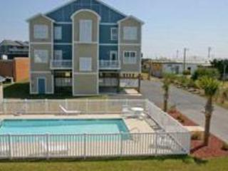 BLUEWTR 105B - Pine Knoll Shores vacation rentals