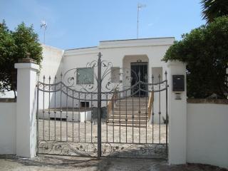 casa vacanze a 2 minuti dal are - Santa Maria al Bagno vacation rentals