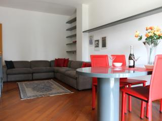 Romantic 1 bedroom Milan Townhouse with Internet Access - Milan vacation rentals